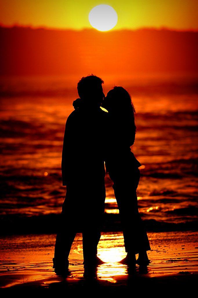 Soft Kiss. Silhouette. Kiss.